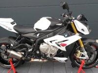 دراجة خارقة طراز R 1