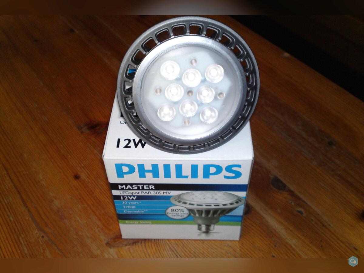 Ampoules PAR30 Philips à LEDs 12W  1