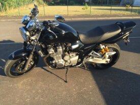 Vends superbe Yamaha XJR1300 noire de Juin 2009