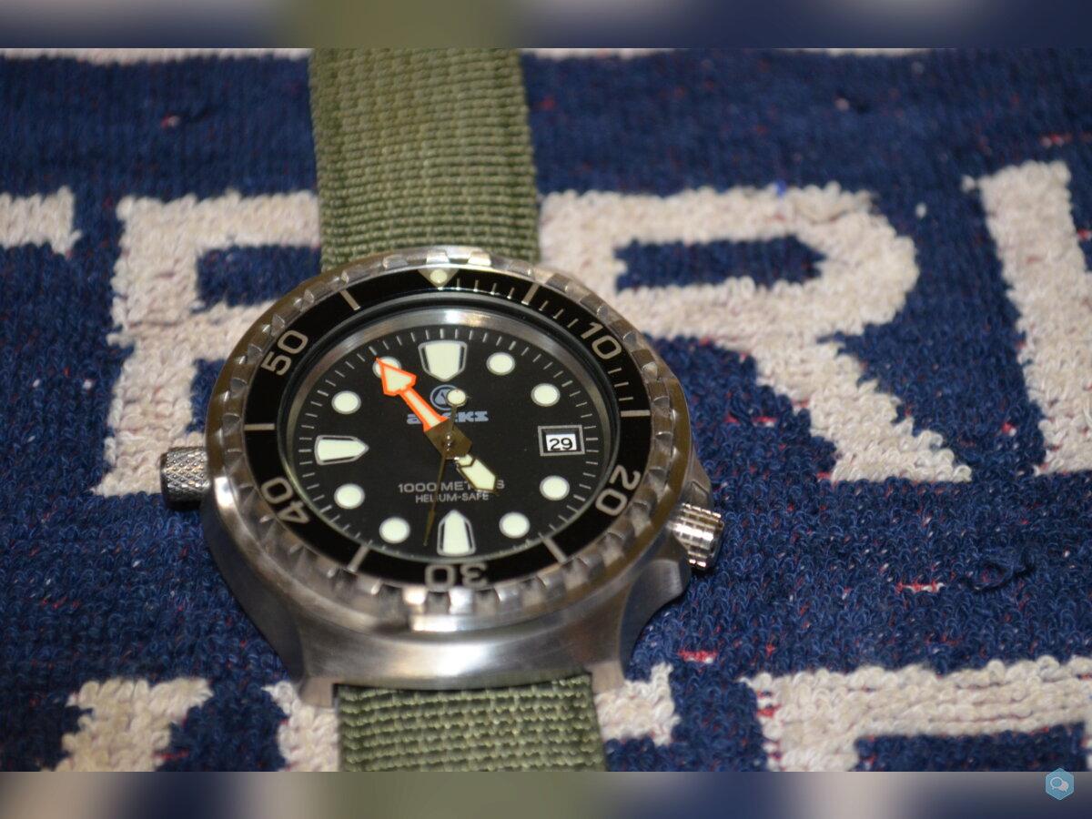 SOLD: Apeks 1000m dive watch 1