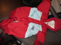 Plusieurs habits d'hiver enfants 2