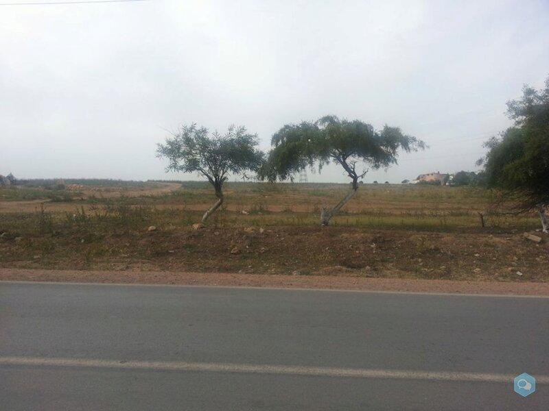 Terrain de 6660 m² à Deroua 1