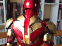 MARK XLII 1/4 DELUXE VERSION HOT TOYS  8