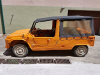 Citroën Mehari Orange avec bâche de toit 2