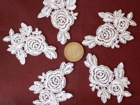 5 Appliques de dentelle en guipure roses blanches