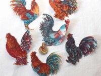12 coqs aux plumes colorées patchs thermocollants  1