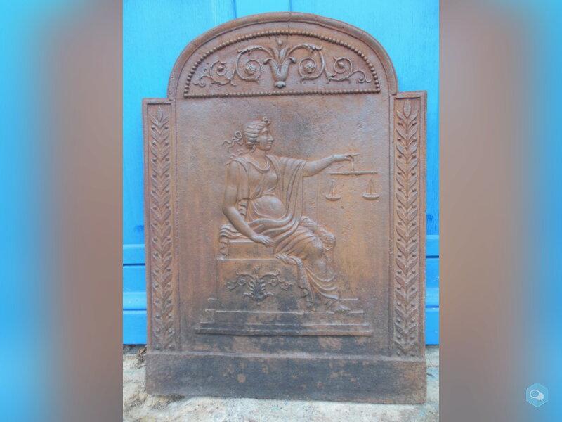 Ancienne plaque de cheminée en fonte 3