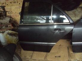 porte arrière gauche de mercedes classe c , w202