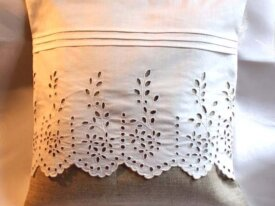 COUSSIN (housse) linge ancien broderie main toile