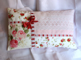 Coussin romantique, shabby chic, Broderies main