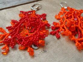 Boucles d'oreilles 'corail' orange et rouge