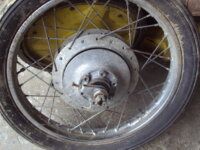roue arrière de suzuki T20/T250/T350 1
