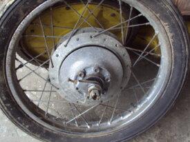 roue arrière de suzuki T20/T250/T350