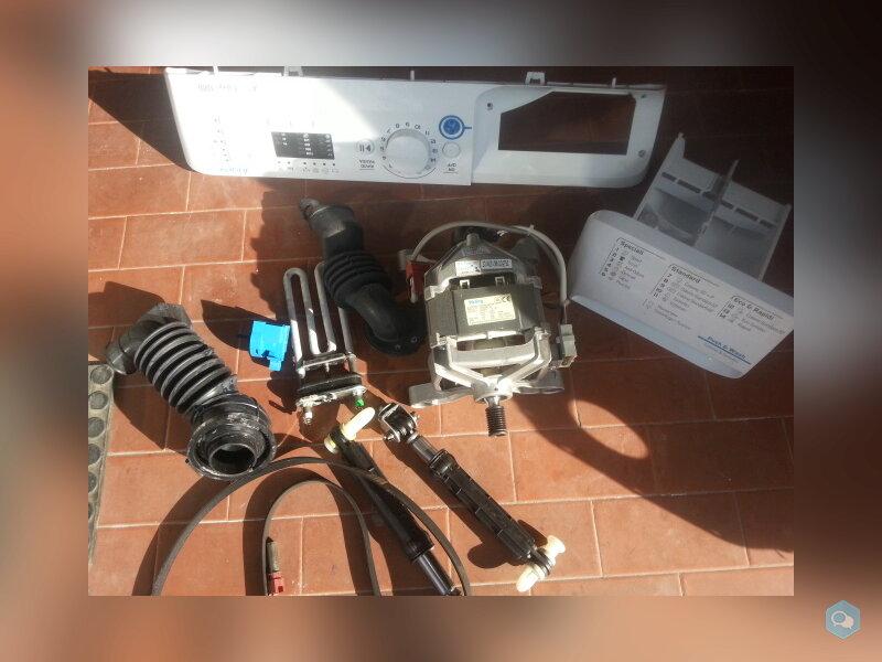 Ricambi lavatrice indesit mod.XWA61052X  9