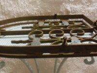Ancienne grille en fer forgé forme ogive pour nich 3