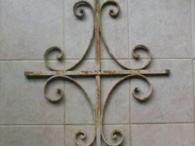 Ancienne grille de défense pour fenêtre
