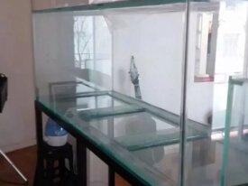 Aquário 150x50x50 em vidro 8mm