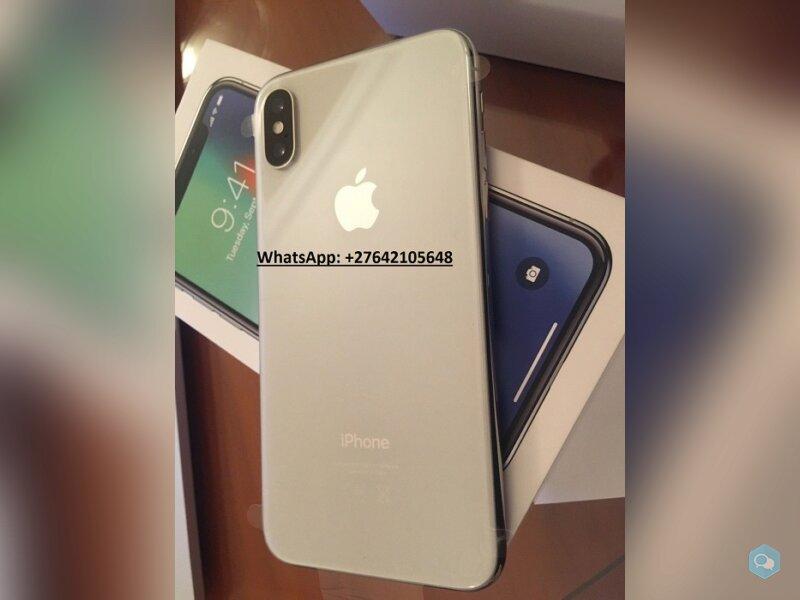 Apple iPhone X 64GB - €445 e Apple iPhone X 256GB  4