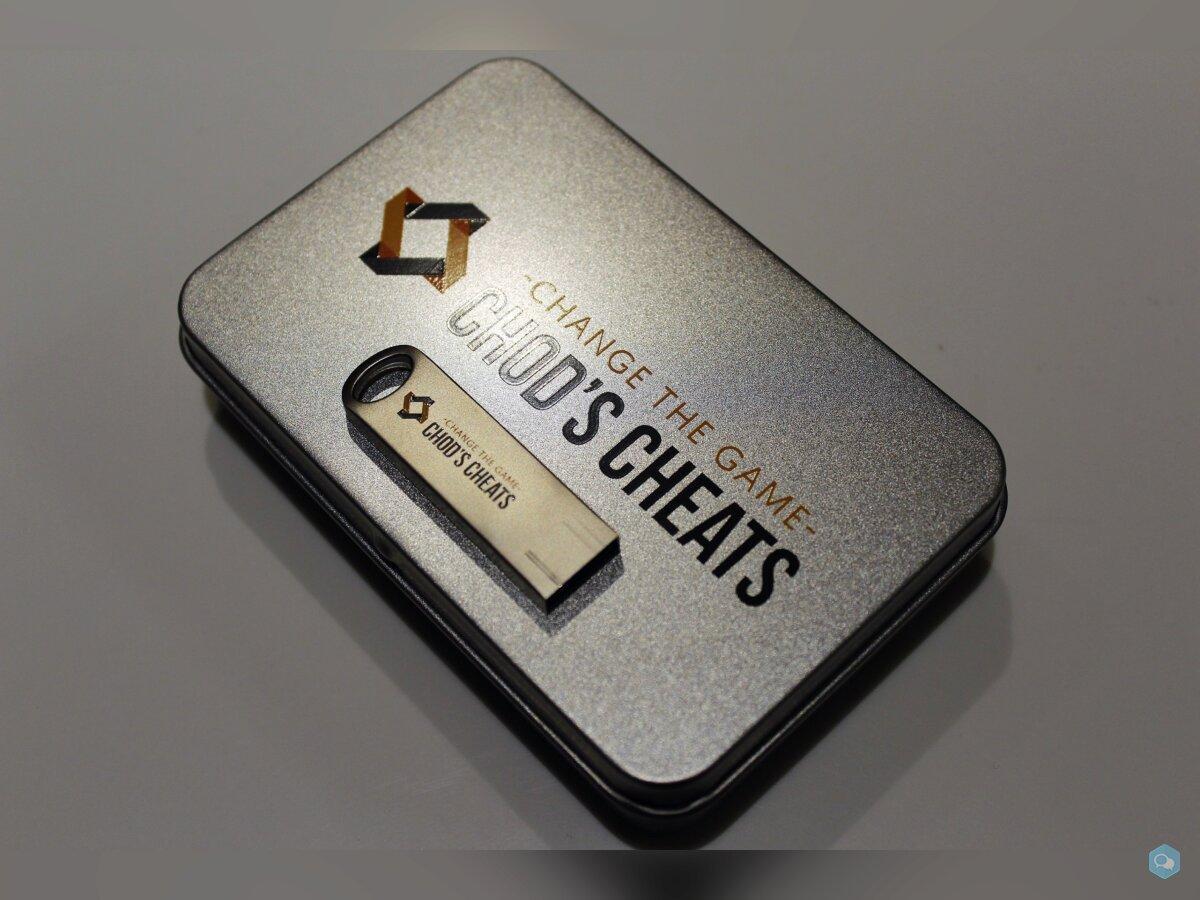 Une clé USB pour cheat ?! (USB Starter Gift Set) 1