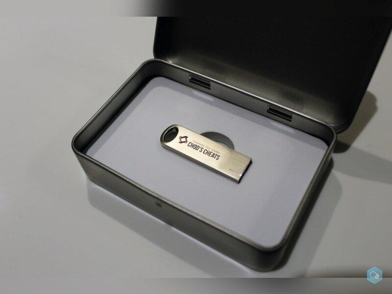 Une clé USB pour cheat ?! (USB Starter Gift Set) 3