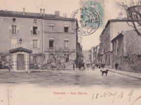 (07) -tournon -cpa - rue thiers - 1904
