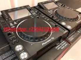 2x Pioneer CDJ-2000NXS2 +  1x DJM-900NXS2 mixer