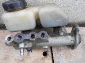 maitre-gylindre de frein pour r4 tl gtl