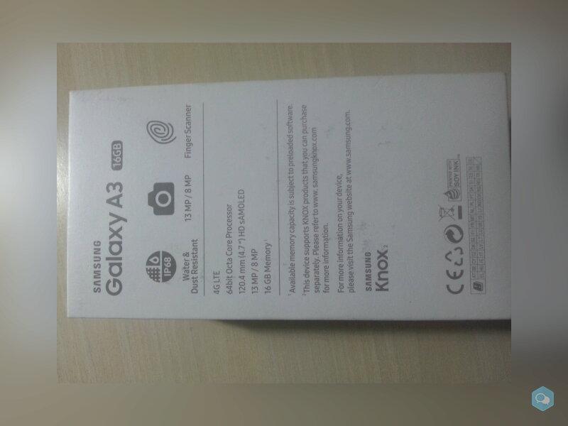 Smartphone Samsung Galaxy A3  1