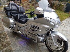vend goldwing  1800