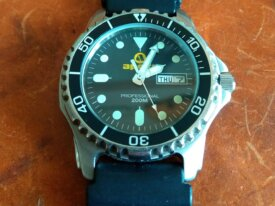 ##SOLD## Apeks 200m Dive Watch