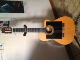 Guitare électroacoustique du luthier G Mateos