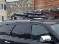 Adaptateurs porte-ski pour barres de toit profilée 2