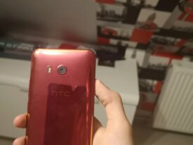 HTC U11 128 Go Rouge + facture et pack d'accessoir