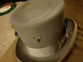 Grey Top Hat-(worn-used)