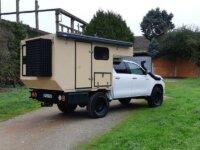 Toyota Hilux cellule toit relevable 4x4 Raid 1