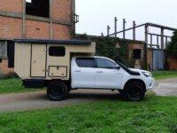 Toyota Hilux cellule toit relevable 4x4 Raid 2