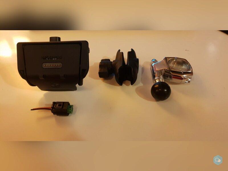 Support GPS et collier chromé 1