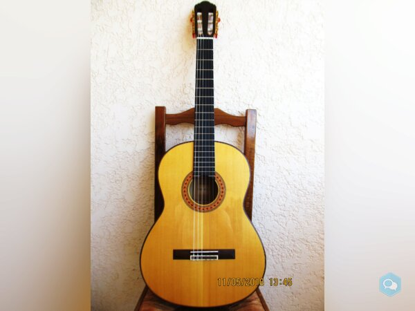 Guitare Yamaha sonorisée par luthier - img