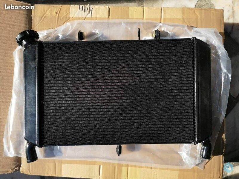 Vend radiateur MT09 2014-2017 1