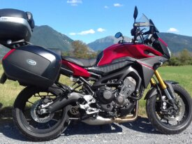 vends tracer rouge full options akrapovic 22150 km