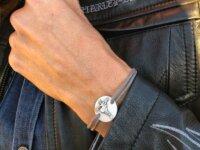 Bracelet Christ à  la guitare 1