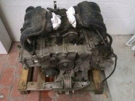 Diverses pièces moteur 986 2,7l