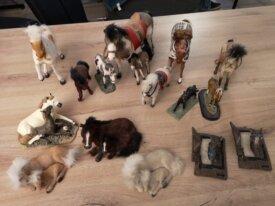 Collection de petits chevaux