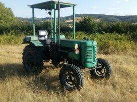 Tracteur IH F137D