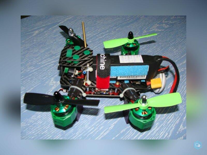 Racer FPV Eachine 180 + FPV Quanum Cyclops 3