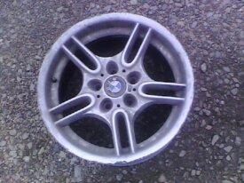 1 Jante 17 BMW style 66 pack M déport 8