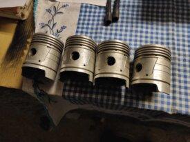 4 piston neuf 201 68.5mm