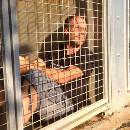 Nouveau buzz de Rémi Gaillard : enfermé dans une cage de la SPA 24h/24h