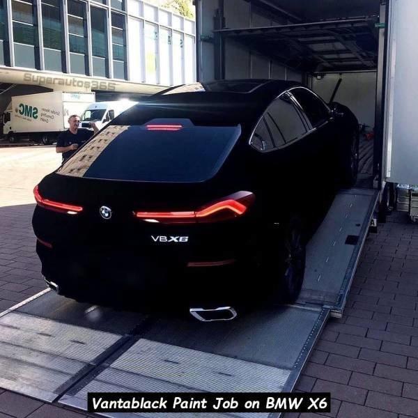 Peinture Vantablack et BMW X6