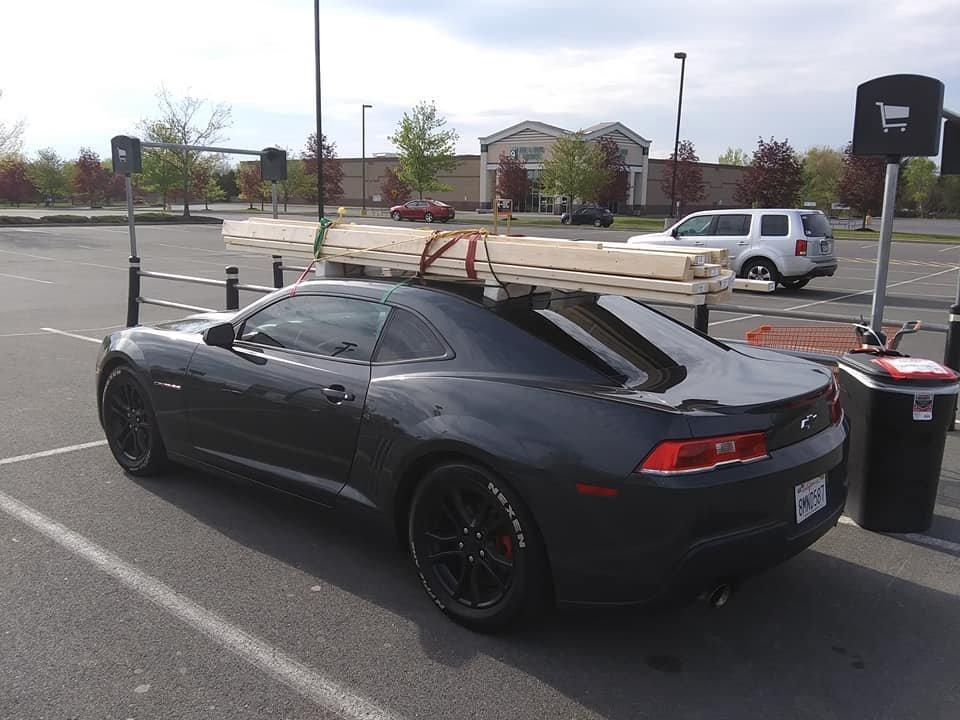 Utiliser sa voiture de sport pour transporter des matériaux
